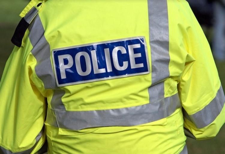 Pihennek a rendőrök
