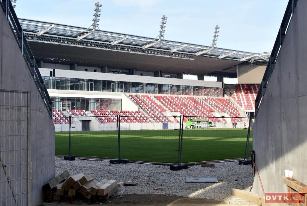 Csinosodik a diősgyőri stadion