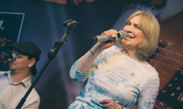 Nagykoncerttel érkezik az énekesnő Miskolcra