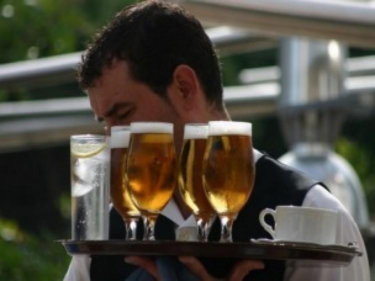 """""""Egy sör lesz: 500 Ft"""", """"kérek szépen egy sört: 290 Ft"""""""