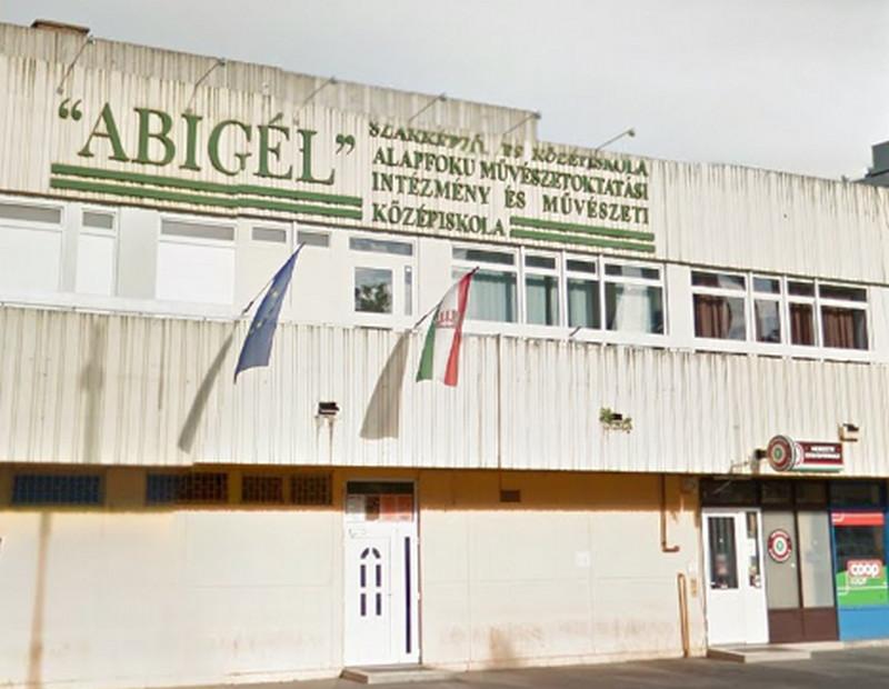 Az Abigél középiskola egyre népszerűbb