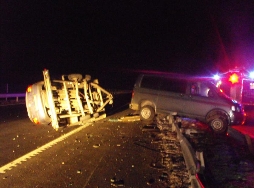 Leszakadt egy tréler és a rajta lévő autó az M3-ason