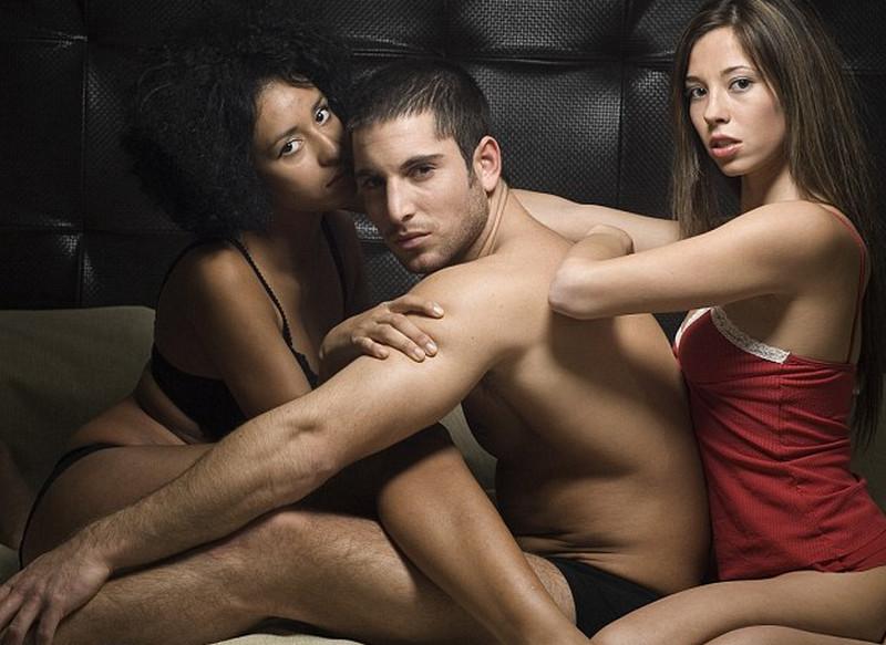 Már egy szexklubban sem lehet önfeledten szórakozni