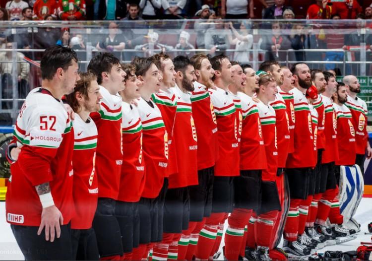 Most sírva büszke a magyar