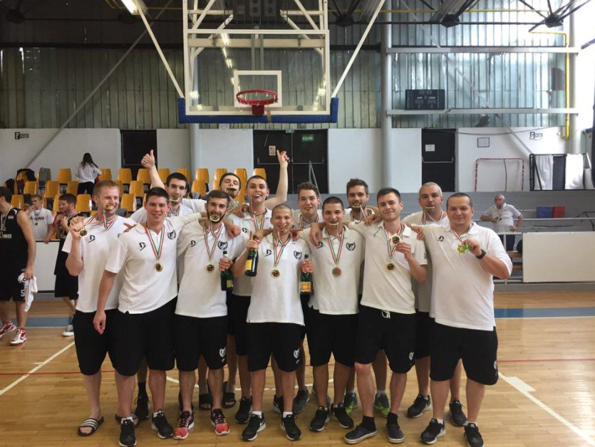 Veretlen bajnokcsapata van Debrecennek!
