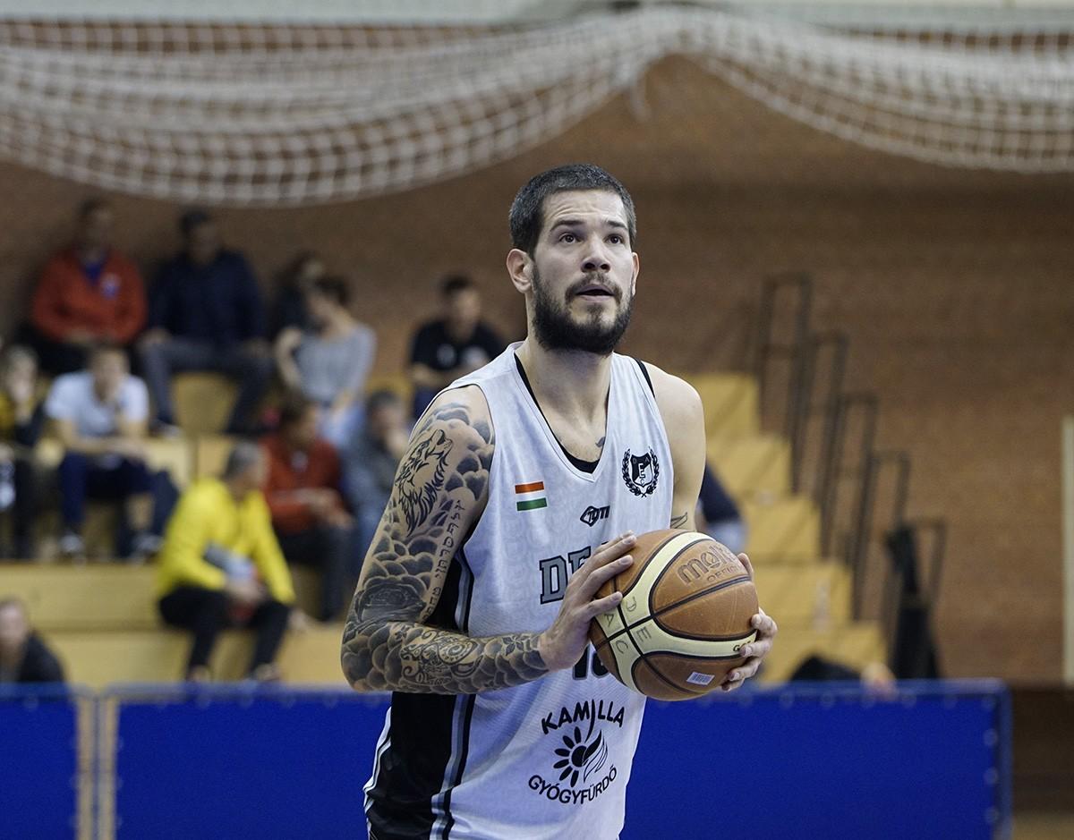 A listavezetőt leckéztette meg a Debrecen