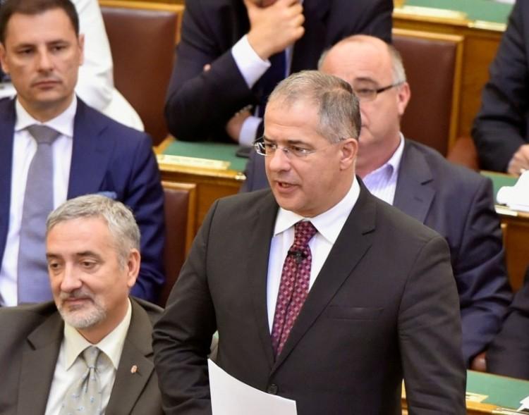 Kósa Lajost feldobta a bukott népszavazás