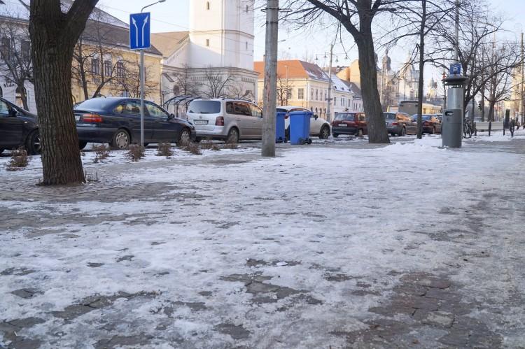Debrecen megadta magát a jégnek