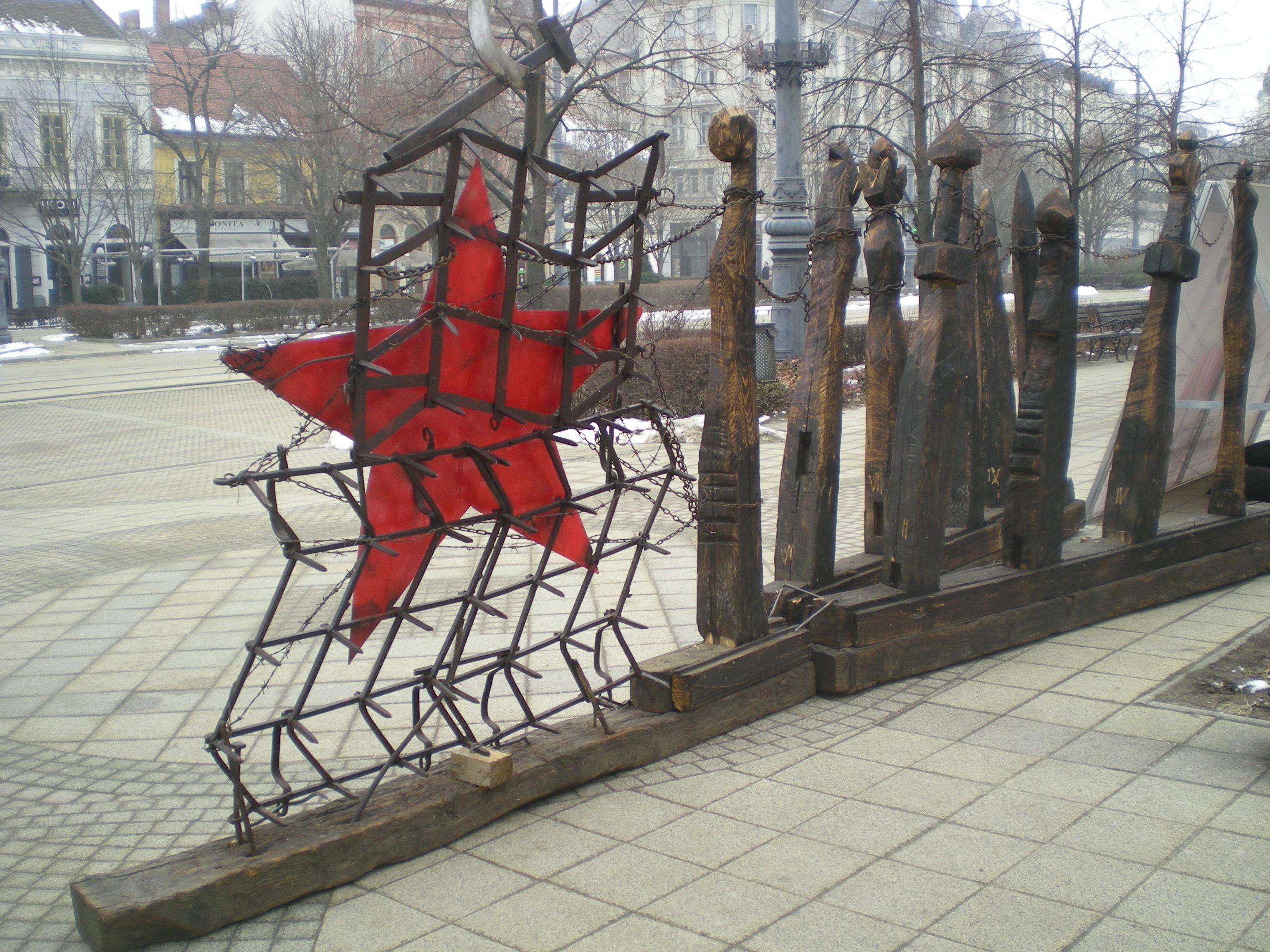 Vörös csillagot helyeztek el Debrecen belvárosában