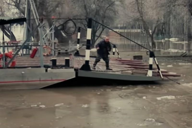 Akciófilmben Jani, a csegei hős +Videó