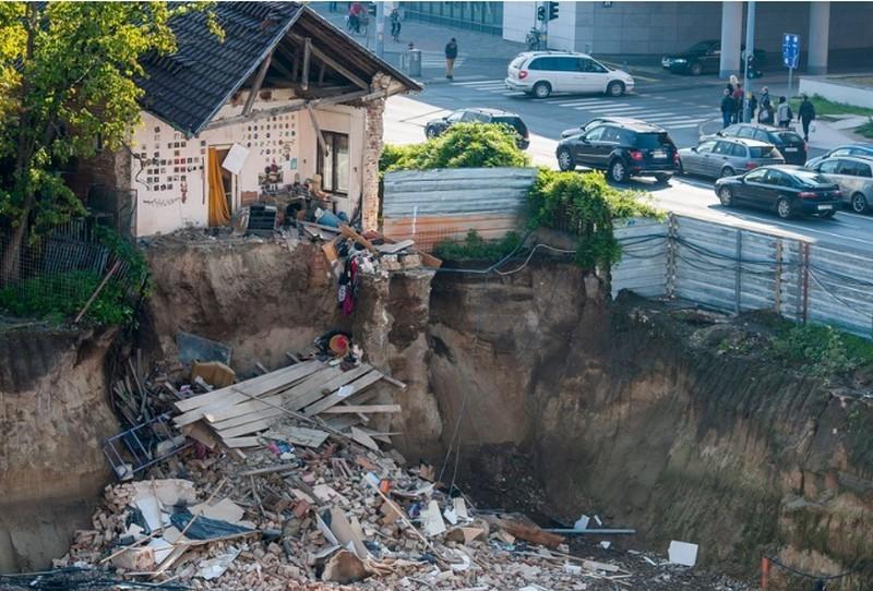 Így áll a debreceni építkezés mellett leomlott ház ügye