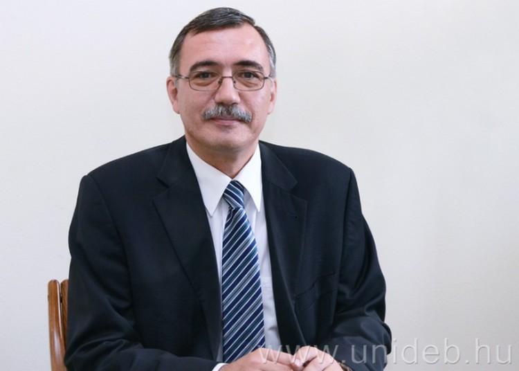 Debreceni professzor egy fontos testület élén