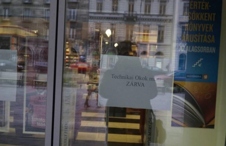 Bezárt a nagy debreceni áruház