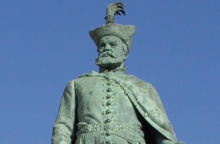 Akarná-e Bocskai István fejedelem a debreceni főpályaudvart?