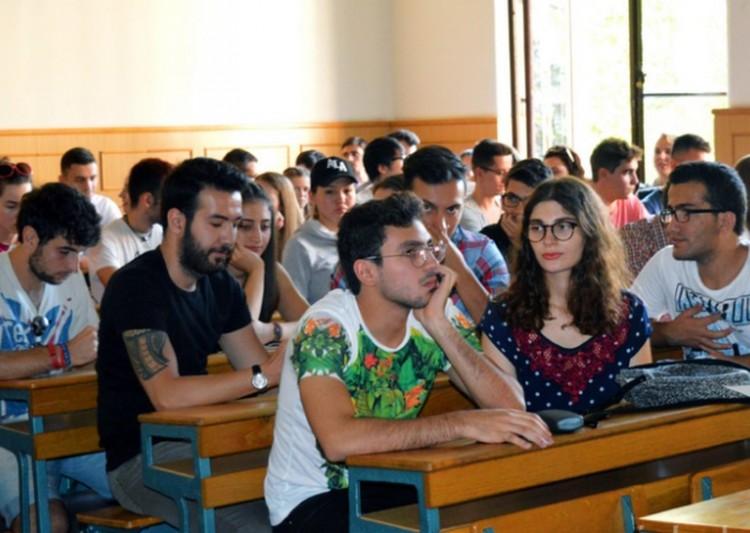 Ekkora üzlet Debrecennek a rengeteg külföldi diák