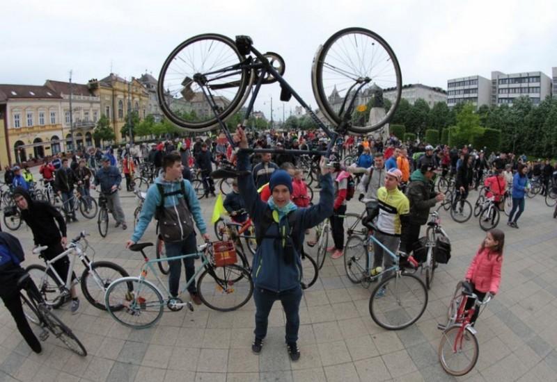Ismét Critical Mass Debrecenben!