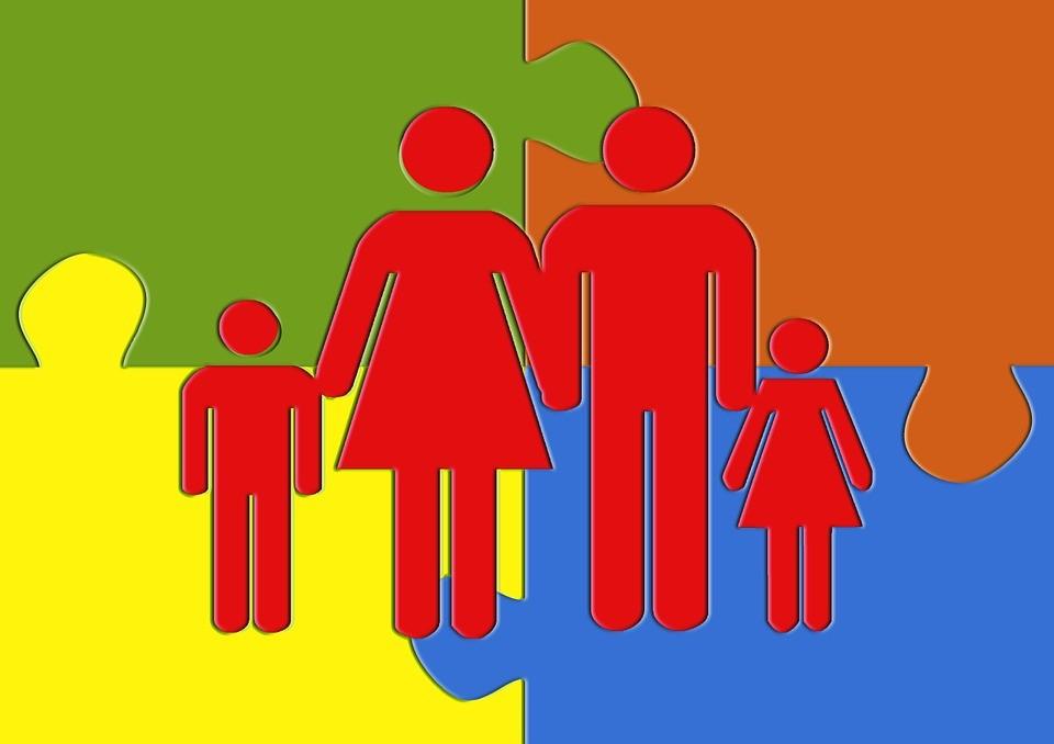 Válásról, mozaikcsaládokról Debrecenben – mindenkinek