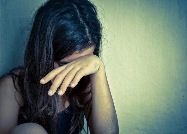 Szexuális visszaélés: 13 éves tanítványával kezdett ki a tanár