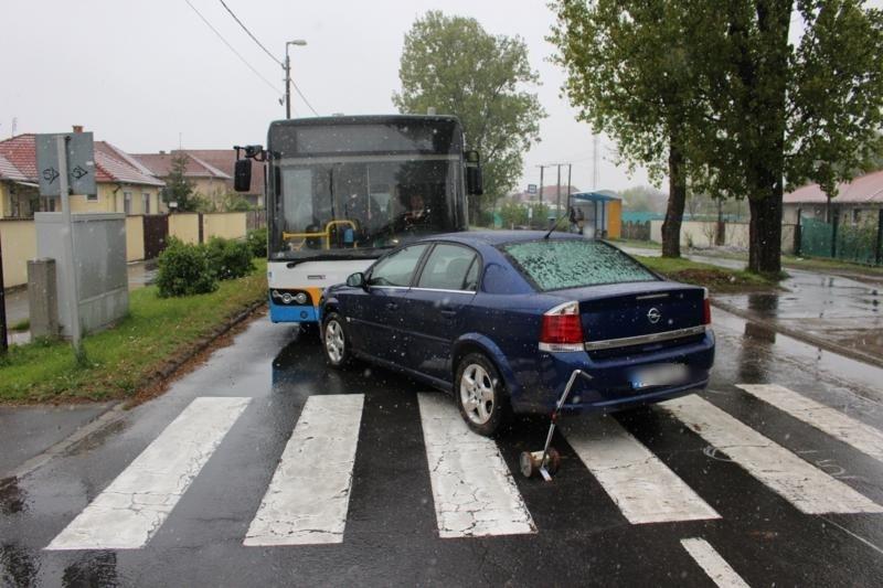 Debreceni kisfiút ütött el a zebrán