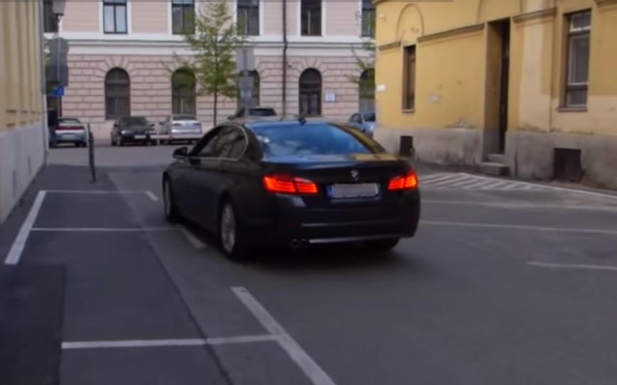 Hoppá! Forgalommal szemben hajtott a debreceni polgármester