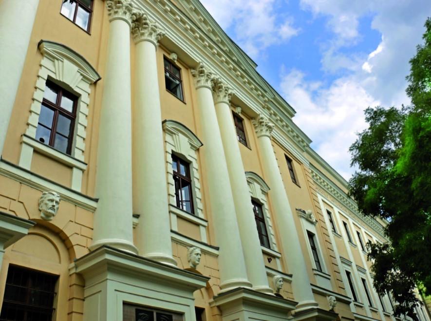 Míg mások fegyverkeztek, Debrecen kollégiumot alapított