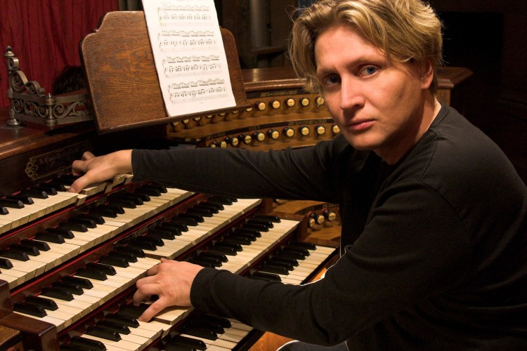Varnus Xavér Debrecenben koncertezik