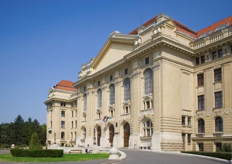 Ugye a Debreceni Egyetem főépülete a legszebb?