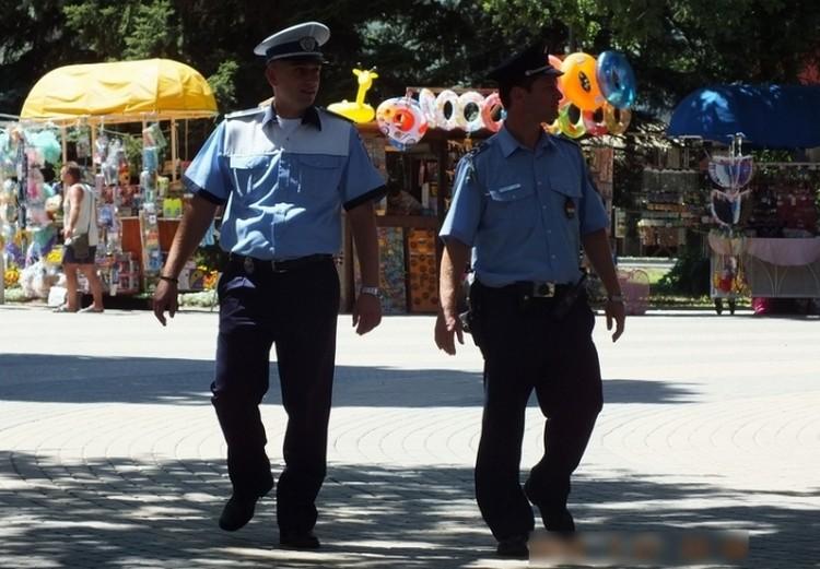 Román rendőrök dolgoznak Hajdúszoboszlón