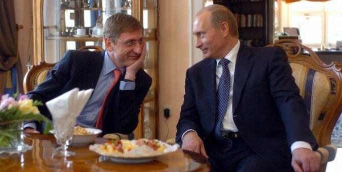 Varga Zoltán seggnyalózza az egyetem vezetőit. Gyurcsány Ferenc akkor mi?