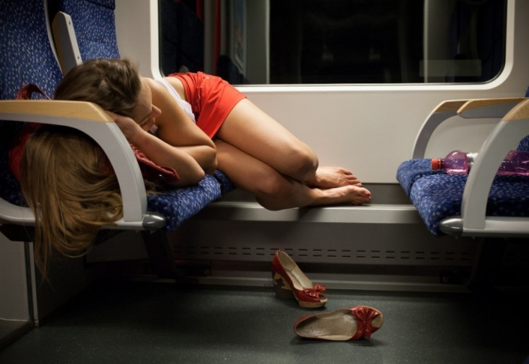 Hajdúhadház rémei: több tízezret loptak a vonaton egy alvó lánytól
