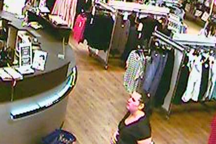 Debreceni áruházból lopott. Látta valaki?