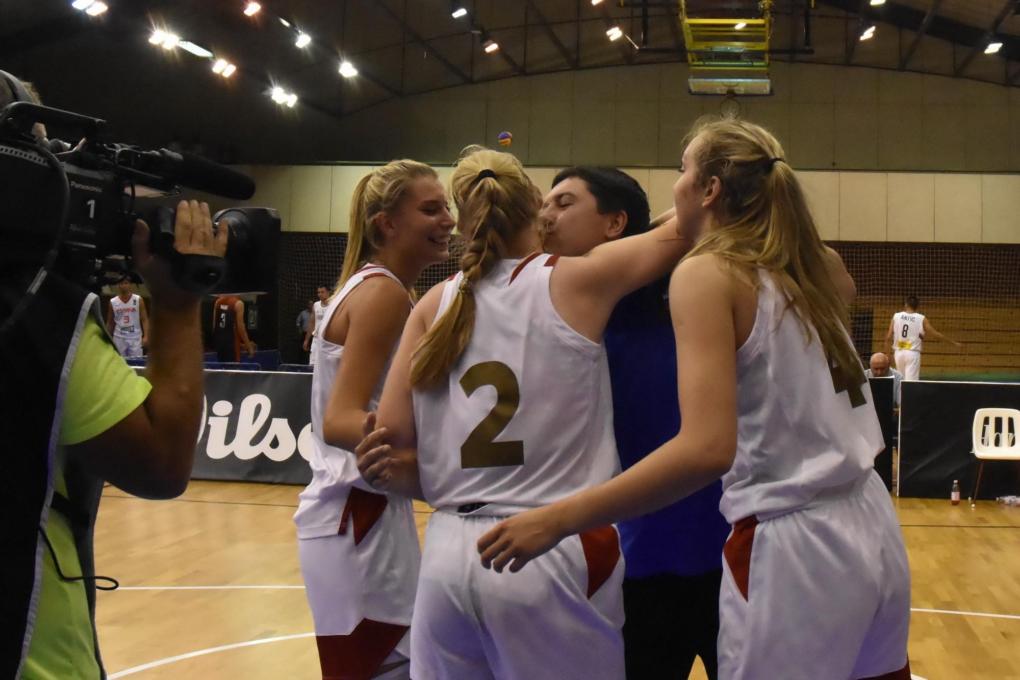 Csúcsra jutottak a magyar lányok Debrecenben +fotók