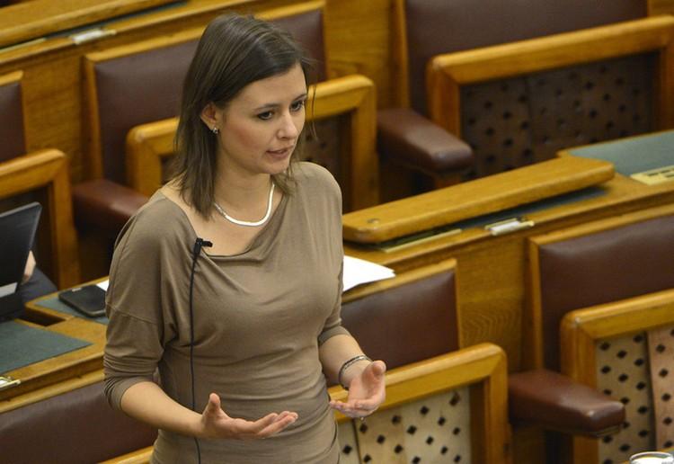Több pénzt ígér a tanároknak a Jobbik