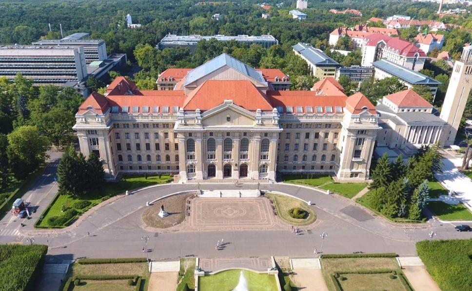 Máris csordogál az orosz pénz Debrecenbe