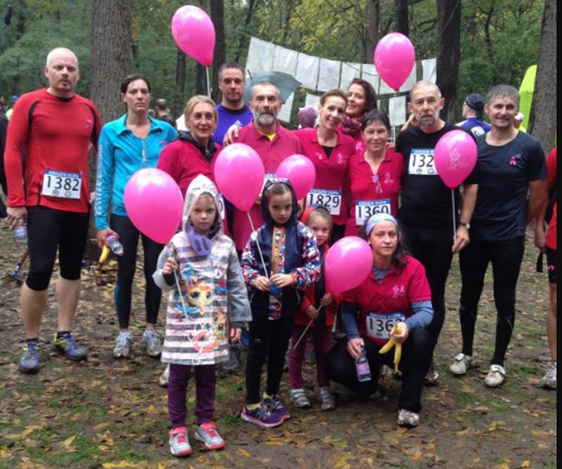 Debreceni futók és motorosok vonulnak a mellrák ellen