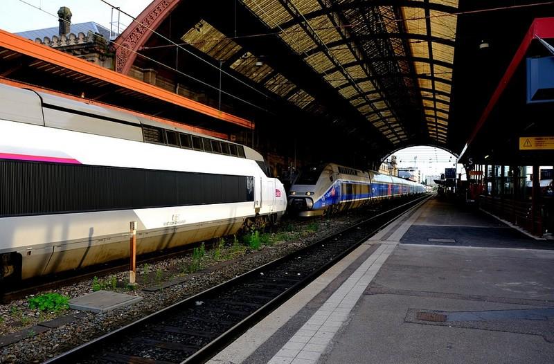 Testvérei segíthették a Marseille-ben késelő férfit