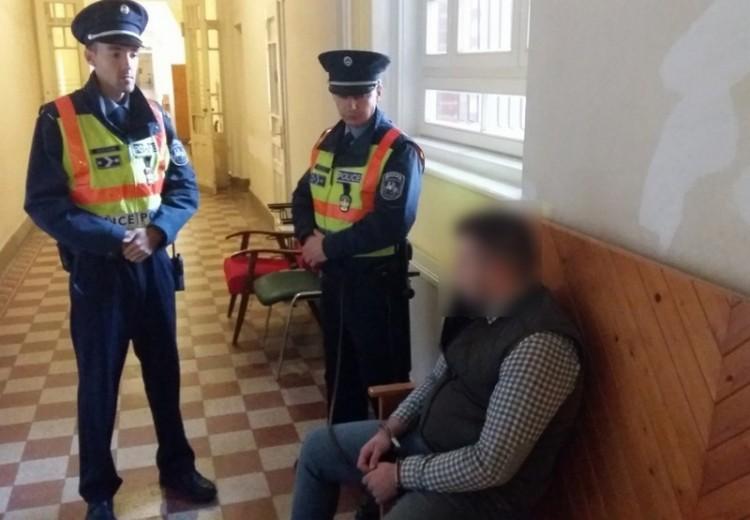 Ez gyors volt - őrizetben a Debrecenben elfogott embercsempészek