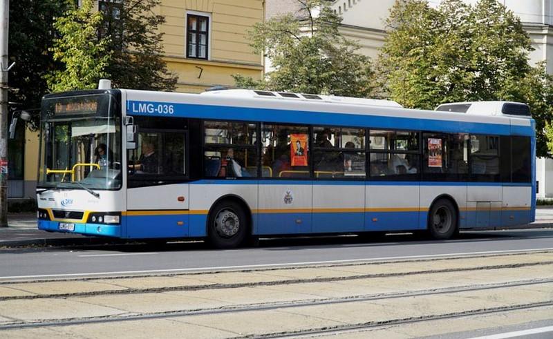 Aszfaltozás miatt terelik a debreceni buszt