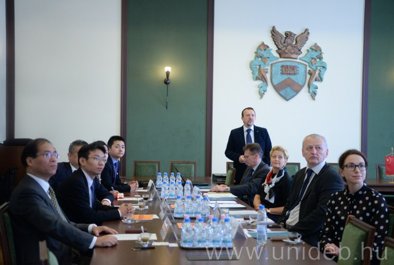 Kínai-debreceni együttműködés az egyetemen