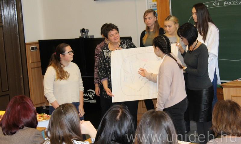 A debreceni diákoknak élmény a közösségi szolgálat