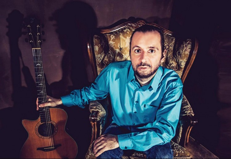 Egy szál gitárral Debrecenben