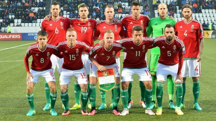 Így alázzák a szurkolók a magyar válogatottat, ha már sírni nem tudnak!