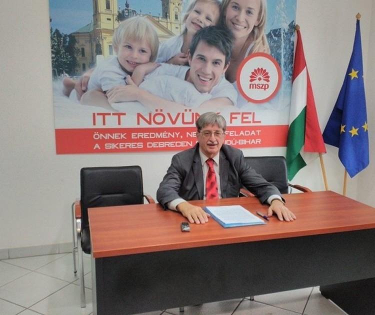 A Fidesz a debreceni szocialistáknak: régi elvtársi emlékek köszönnek vissza
