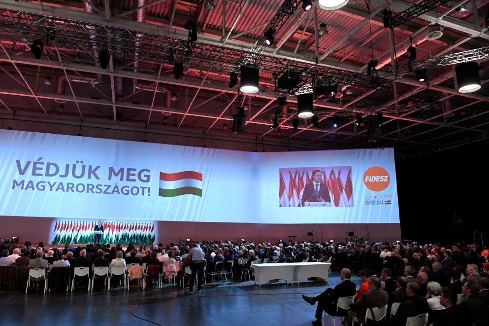 Kósa Lajos: támadás éri Magyarországot, a nemzetet