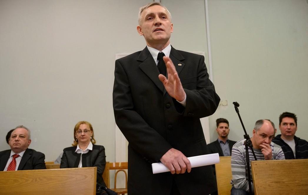 Ágoston Tibor cigányozása miatt vizsgálatot indít a Jobbik