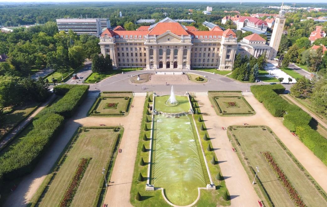 """Debrecenben 30 millióból """"megoldják a korrupciót"""""""