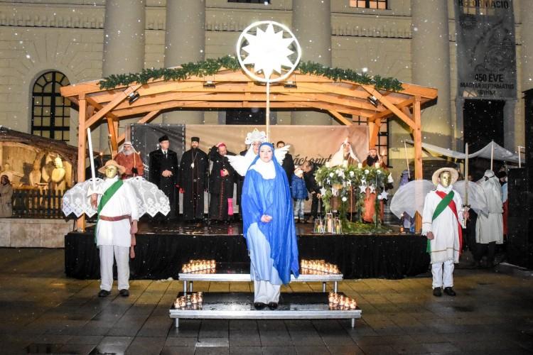 Debrecen felvette az ünneplőjét - minden lakosának jut egy kis fény