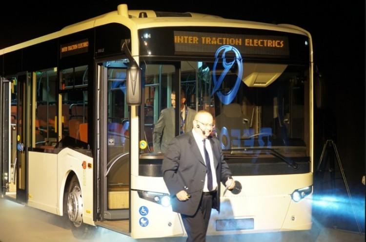 Debrecennek saját busza is van már, de ez csak a kezdet