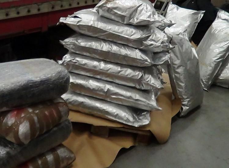 Nem vicc: 500 kiló kábítószert fogtak a határnál