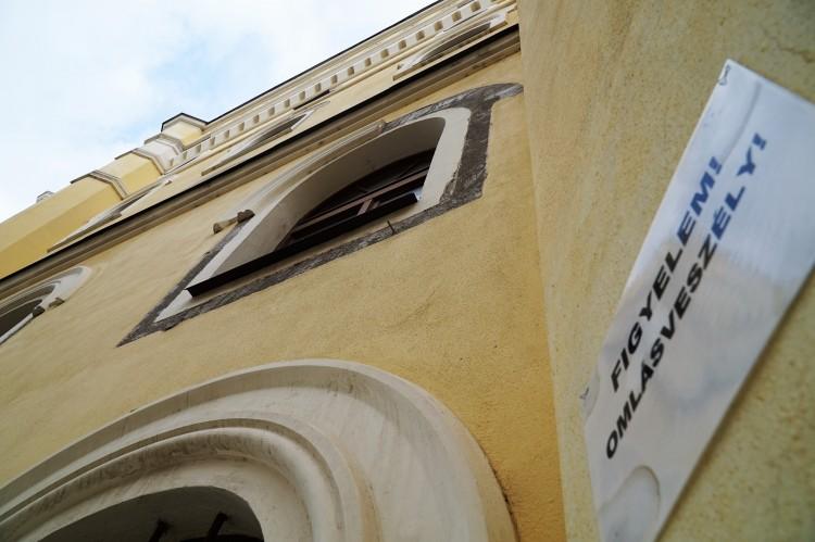 Debreceni színházkorszerűsítés: nem volt jelentkező
